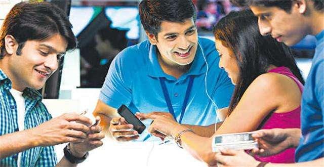 """电线杆变WIFI热点,""""数字乡村""""会是印度互联网发展契机吗?"""