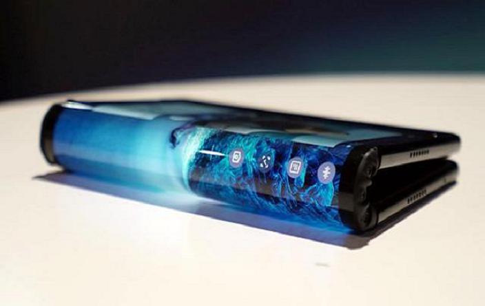 """小米晒双折叠屏手机,是""""折腾""""还是引领未来的新技术?"""
