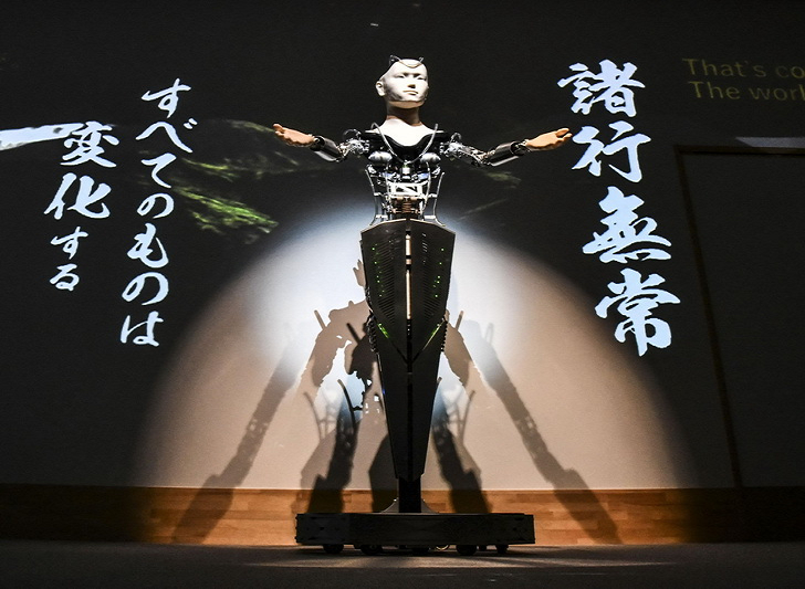 """日本用机器人做""""观音"""",未来AI会颠覆宗教?"""